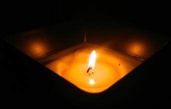 candle-1691572_1920